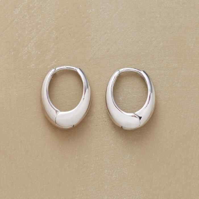 WHITE GOLD OVAL HOOPS