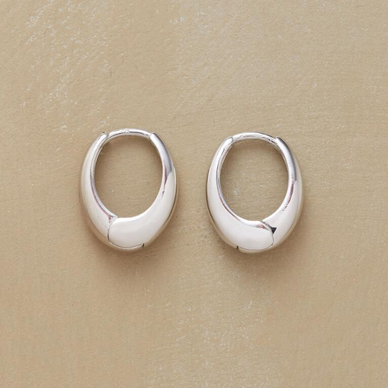 3884461d6ebeb WHITE GOLD OVAL HOOPS