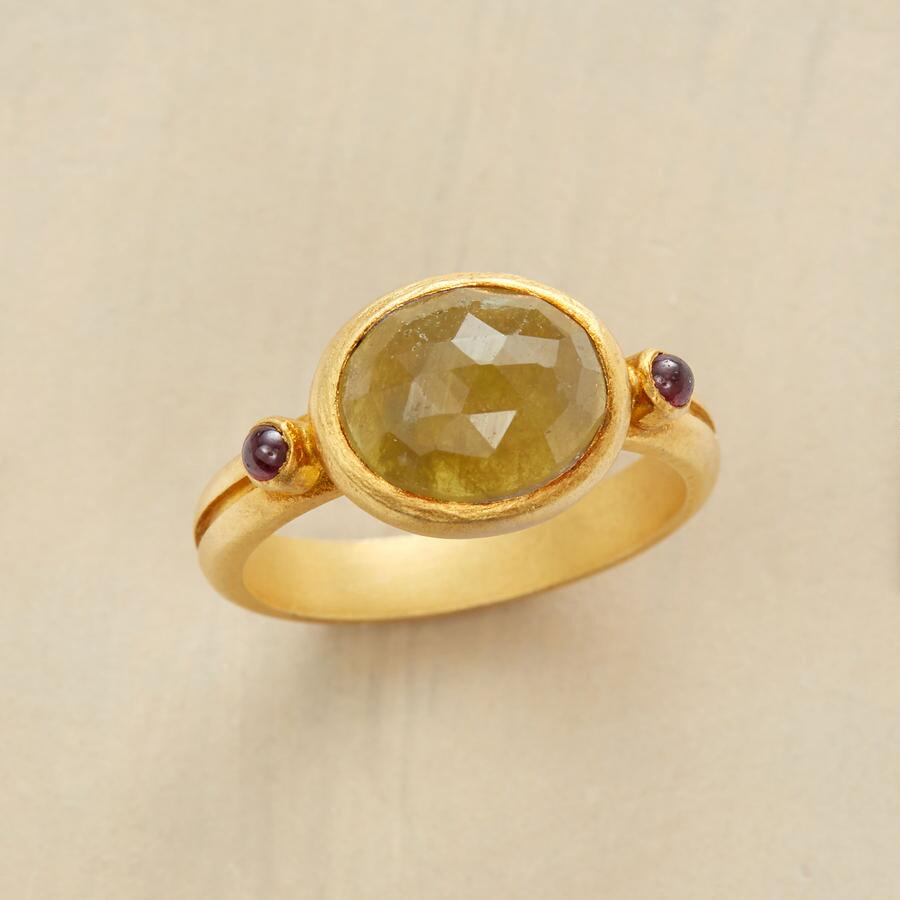 LINEAGE RING