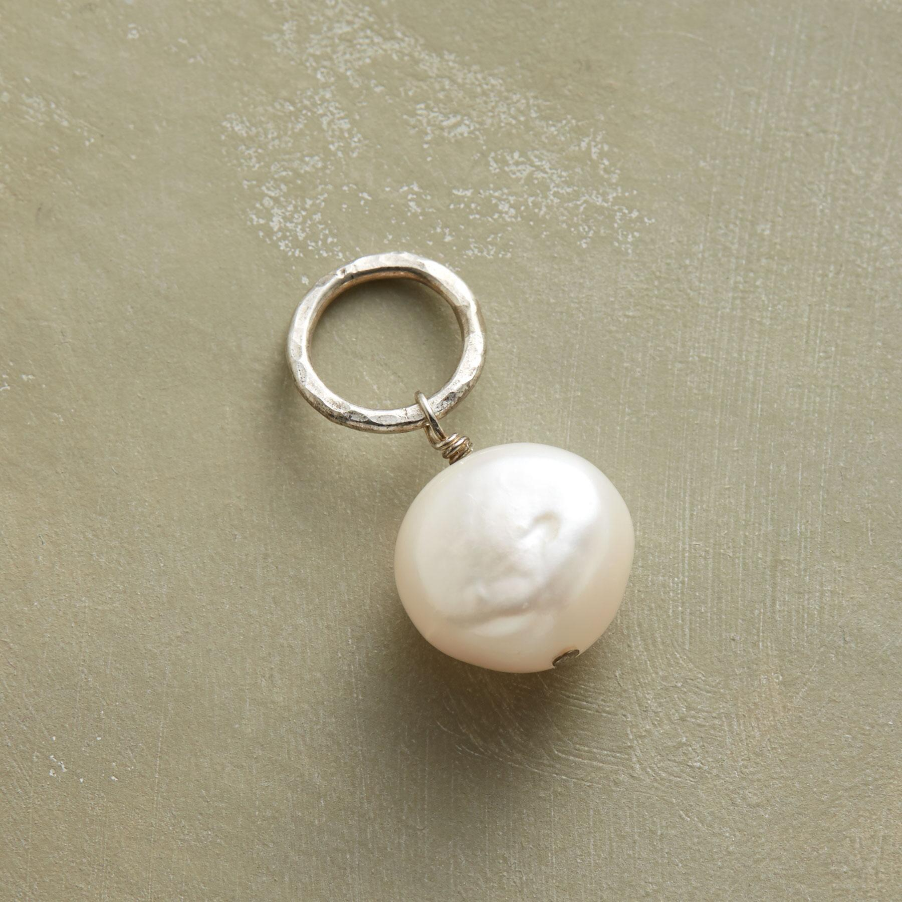 CULTURED PEARL SOLO GEMSTONE CHARM: View 1