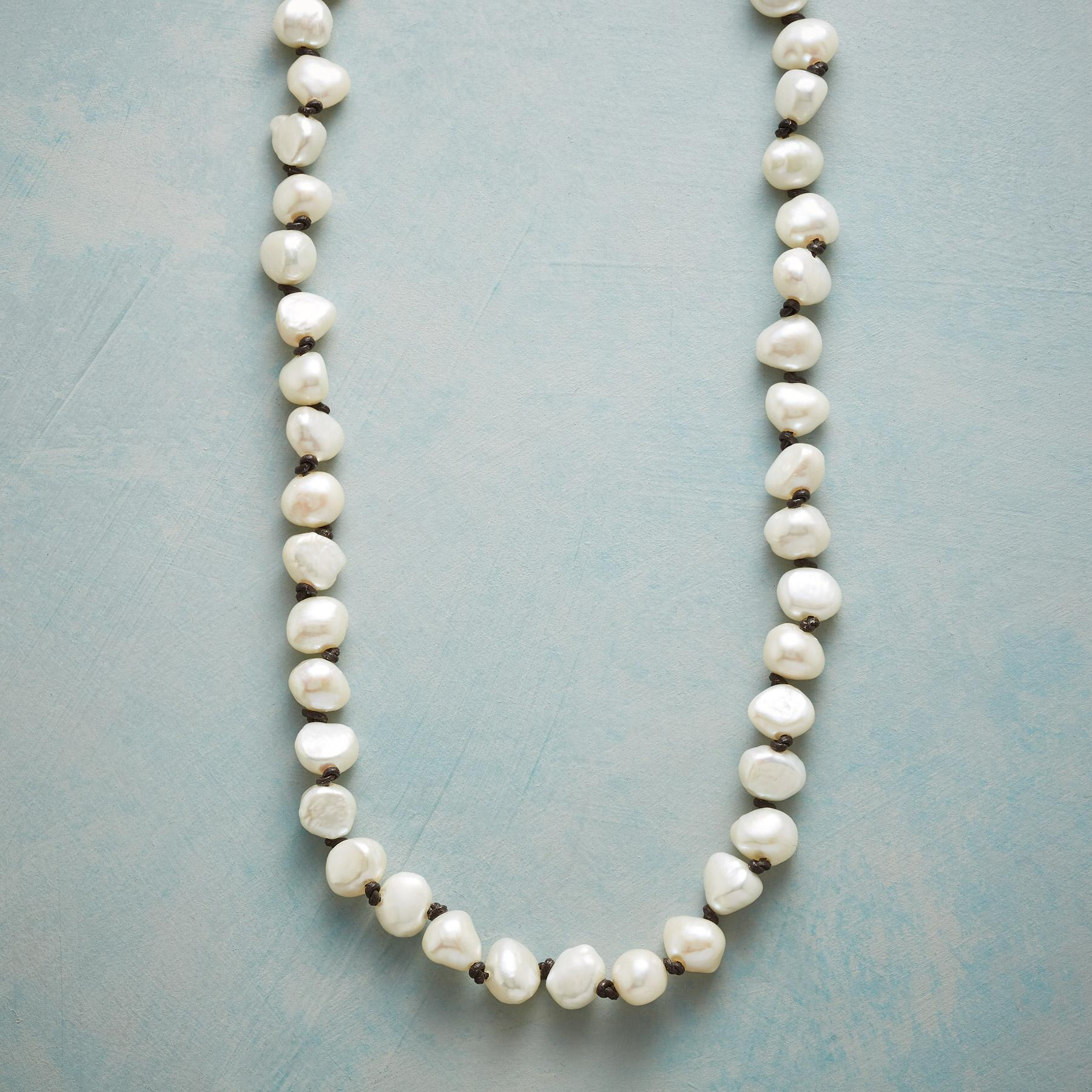 PEARL STORYLINE NECKLACE: View 1