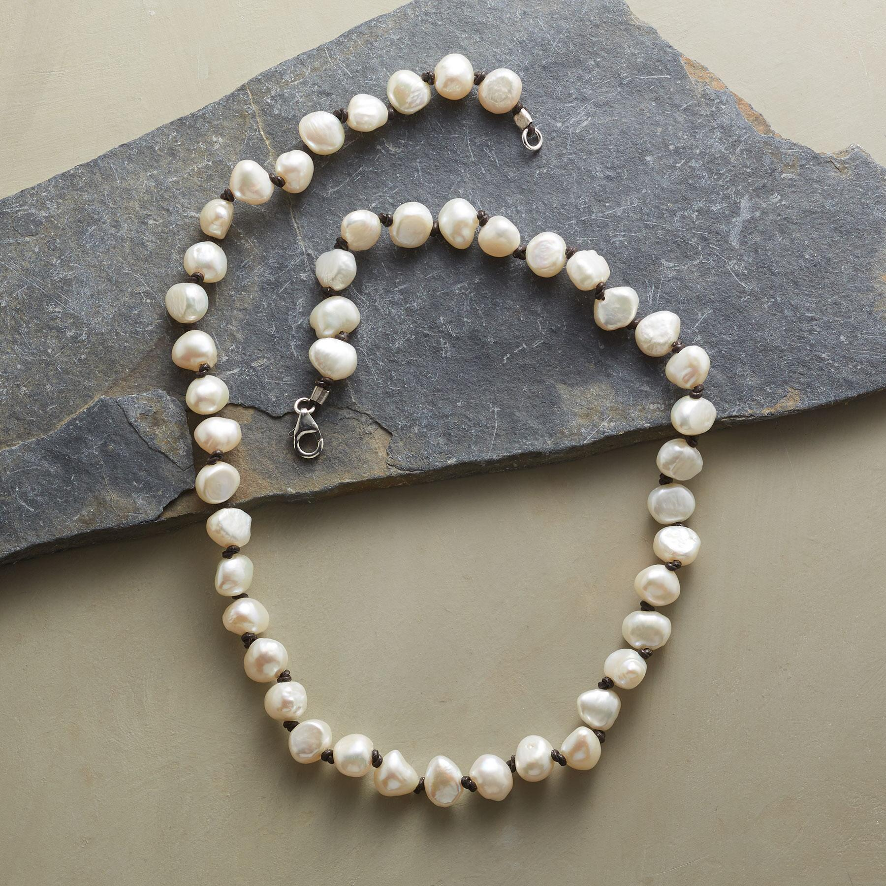 PEARL STORYLINE NECKLACE: View 2