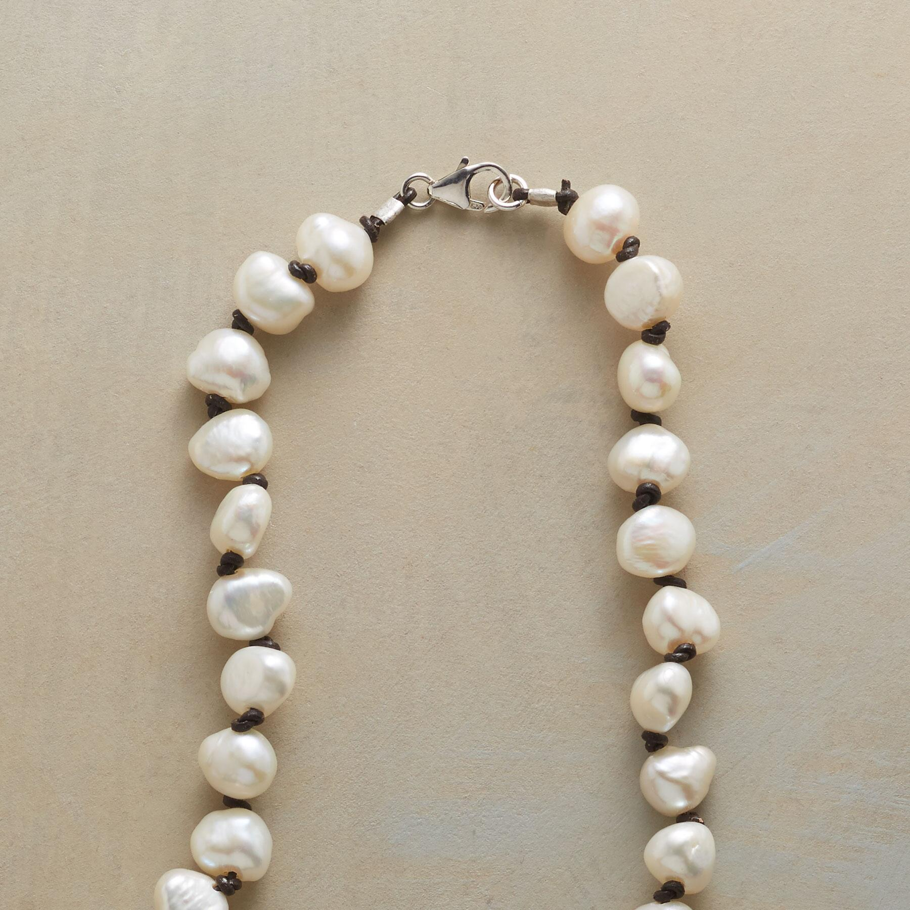 PEARL STORYLINE NECKLACE: View 3