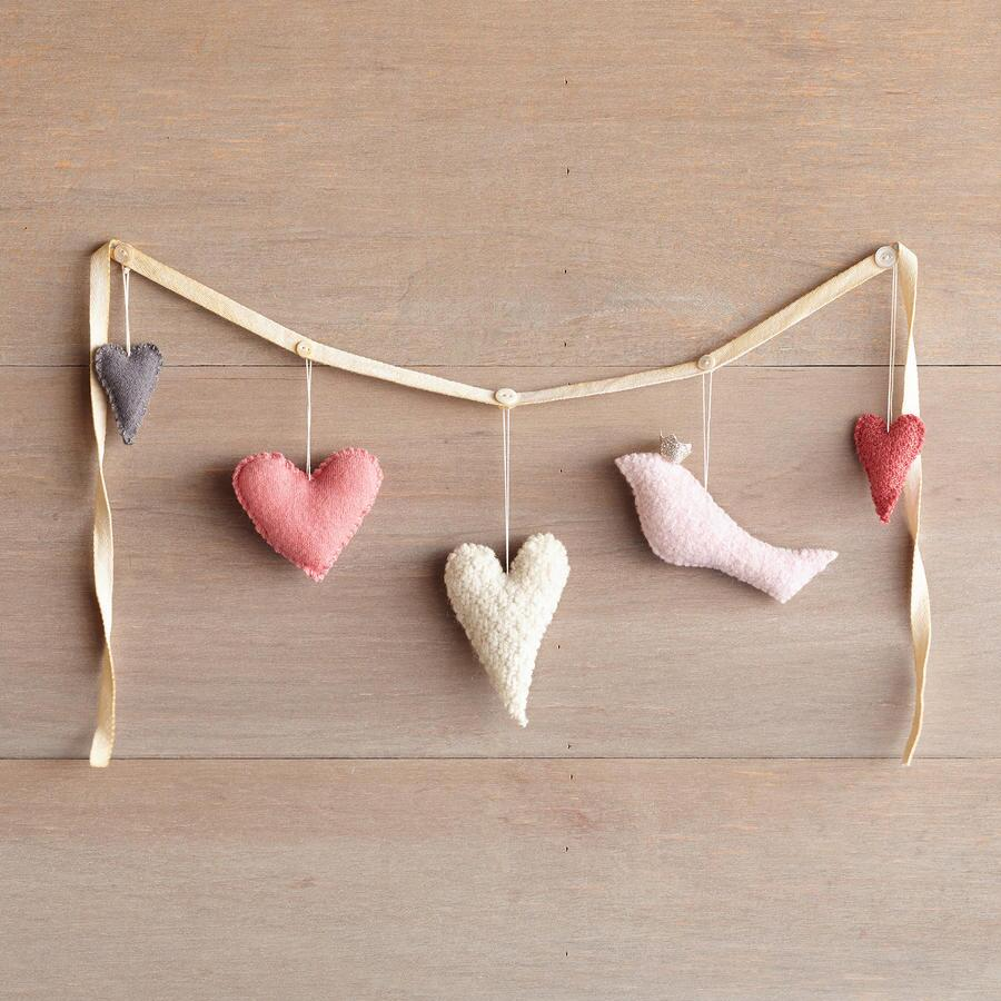 LOVE BIRDS GARLAND