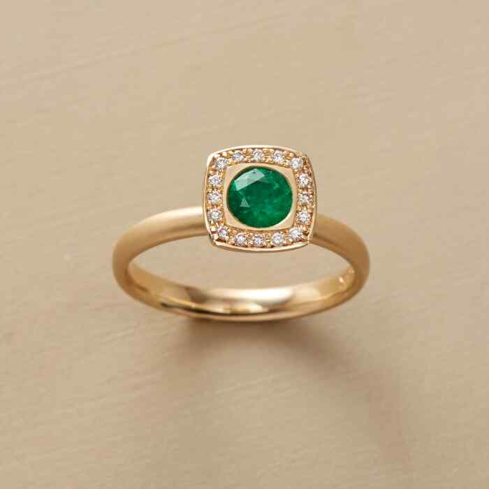EMERALD ENVY RING