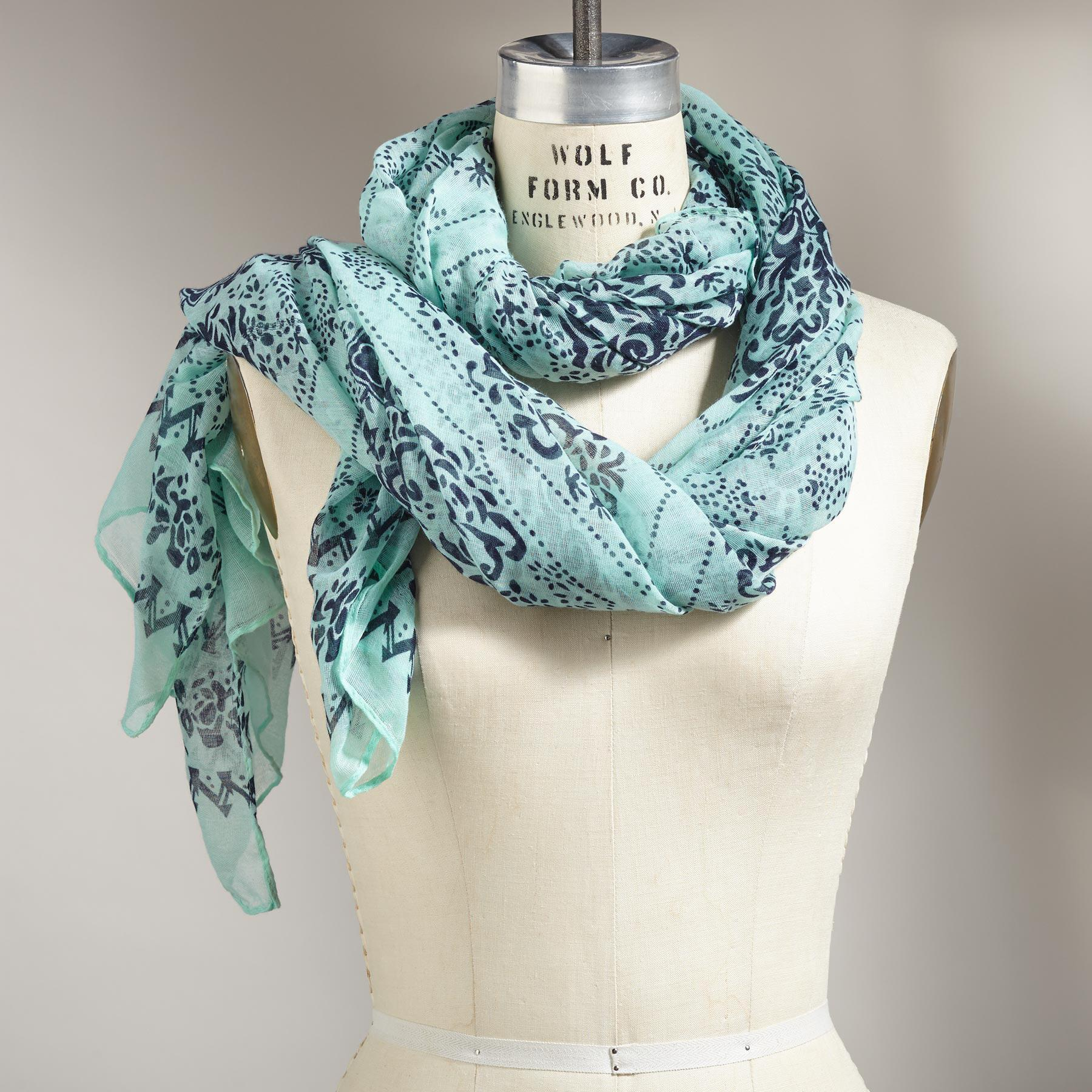 WIND & WATERS SCARF: View 1