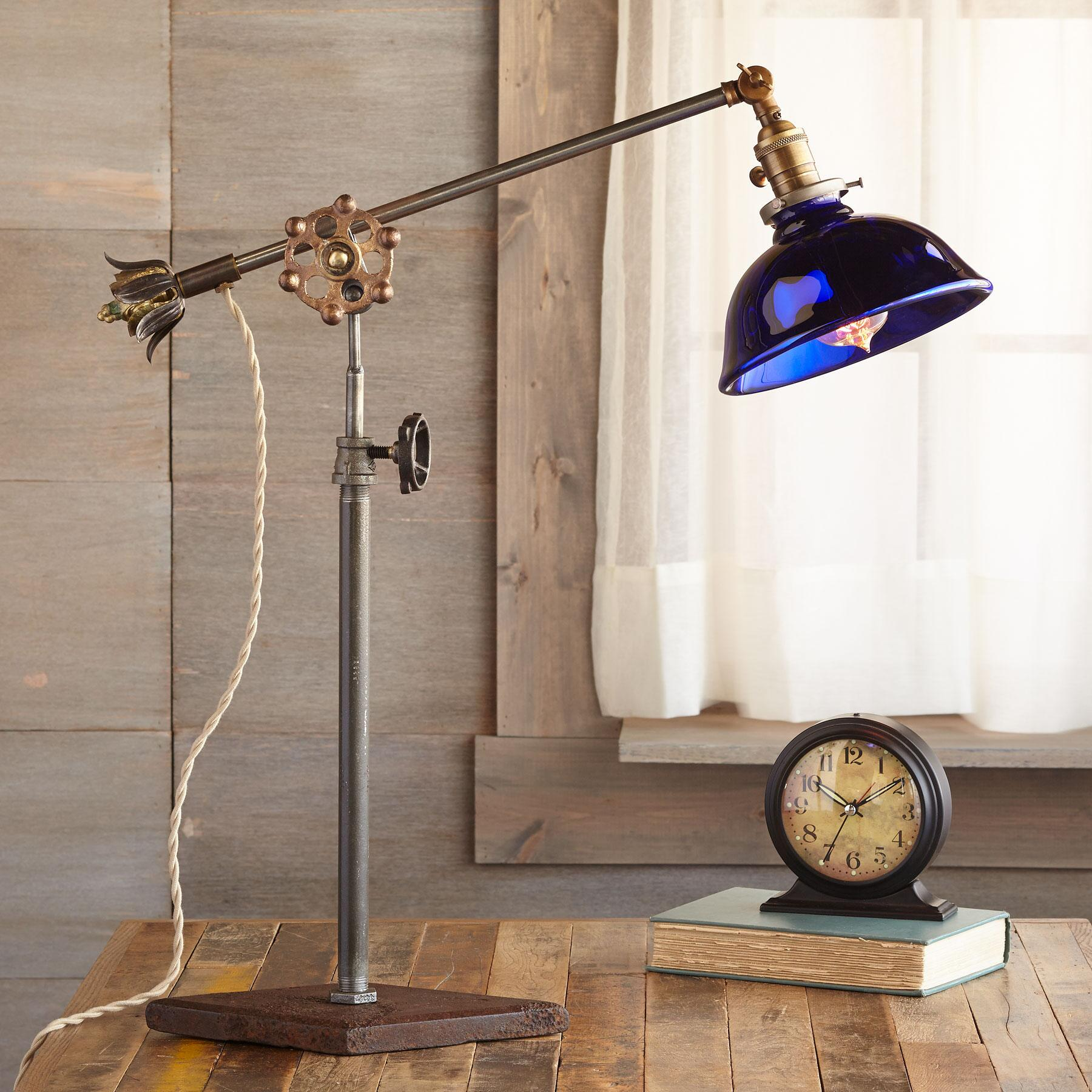 PAYSON LAKES TABLE LAMP: View 1