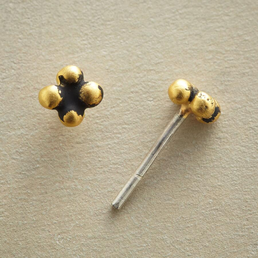 CLOVER BEAD EARRINGS