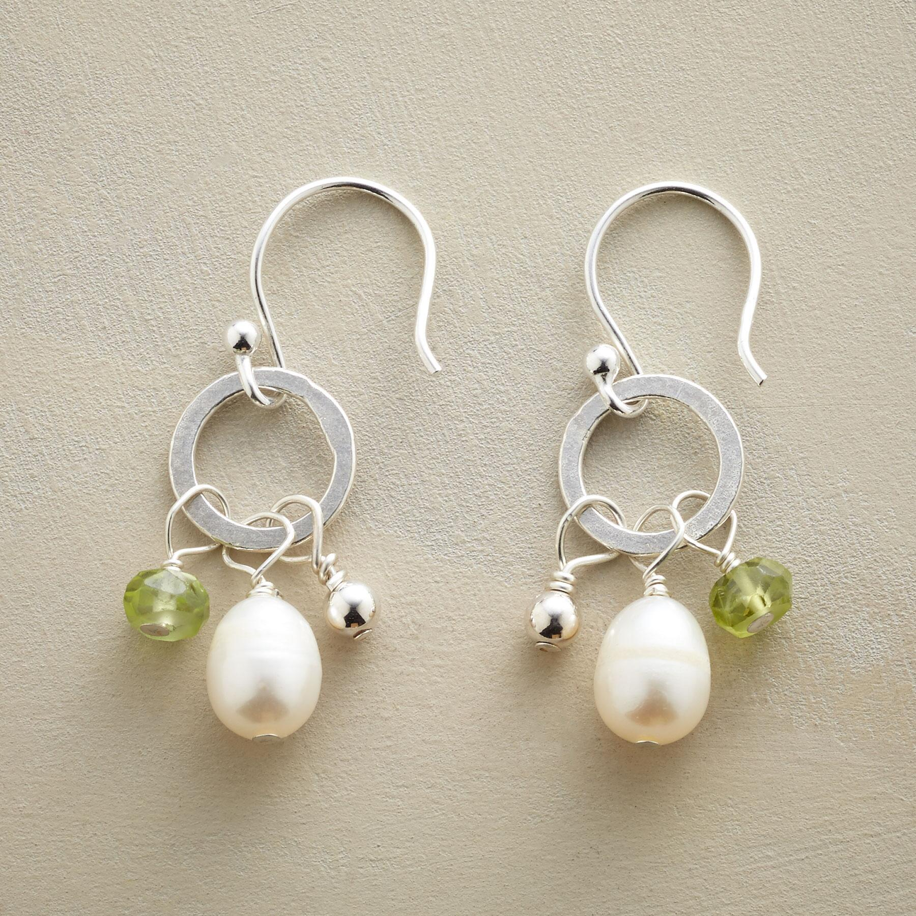 PERIDOT AND PEARL EARRINGS: View 1