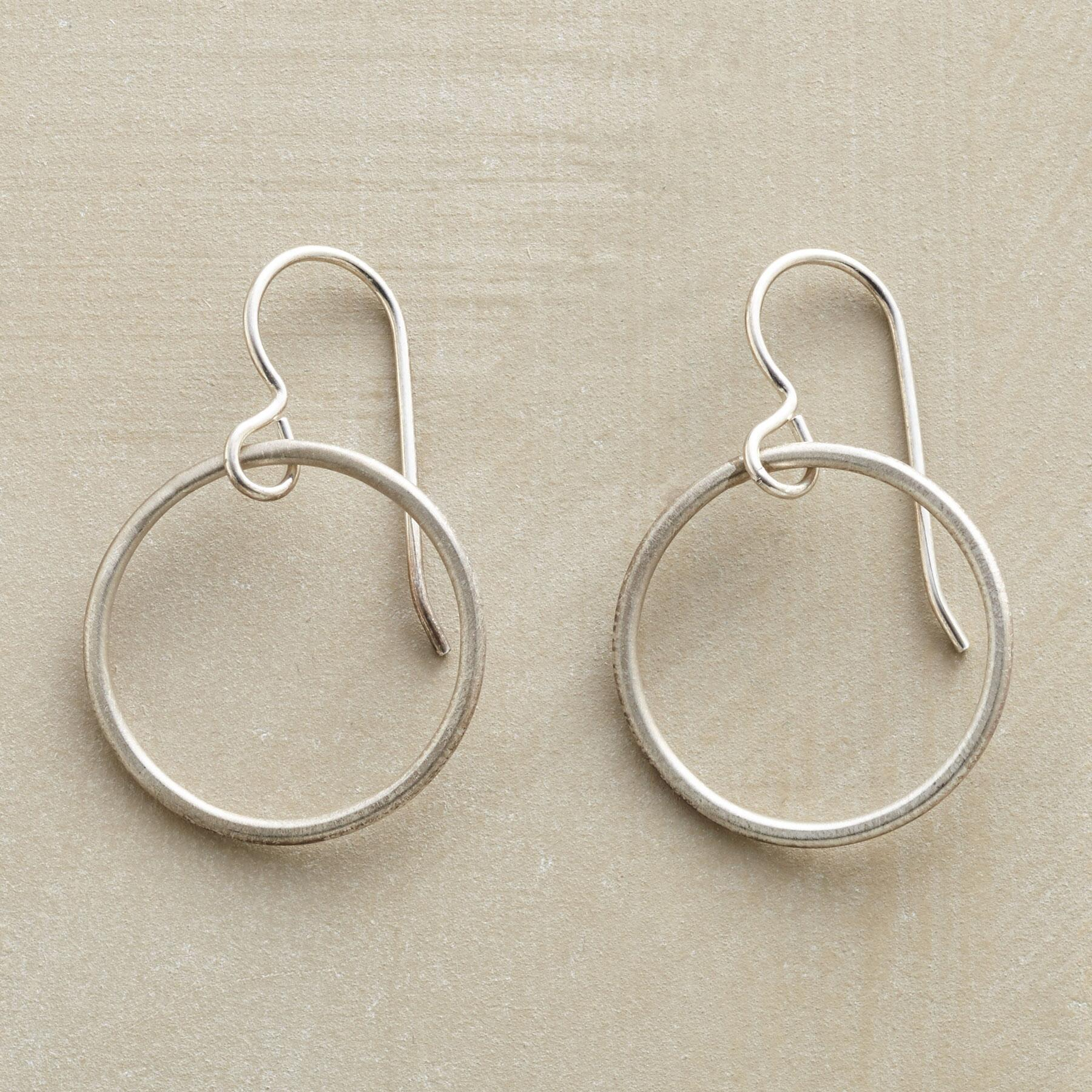 RECIRCLED EARRINGS: View 1