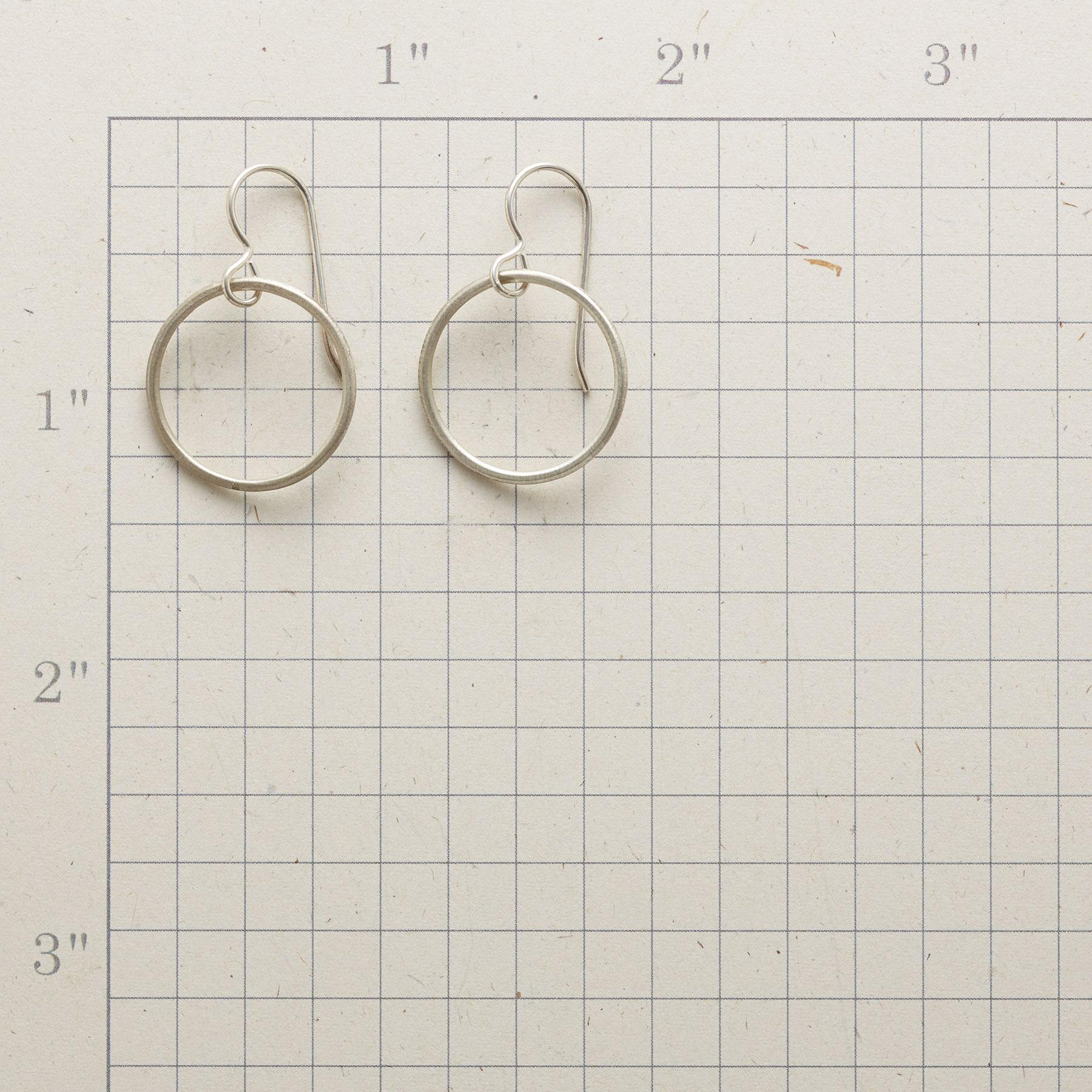 RECIRCLED EARRINGS: View 2