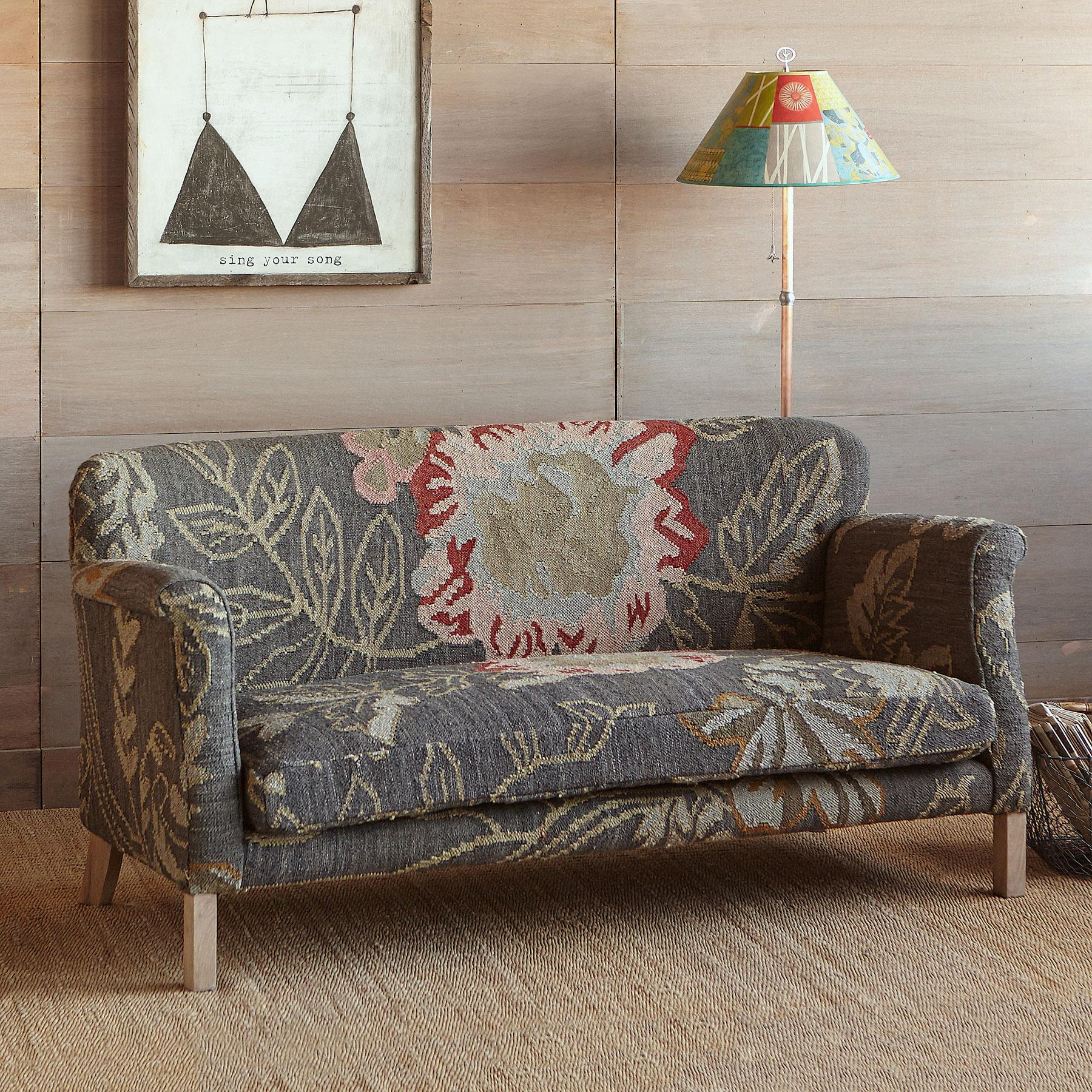 MOON GARDEN KILIM LOVESEAT: View 4