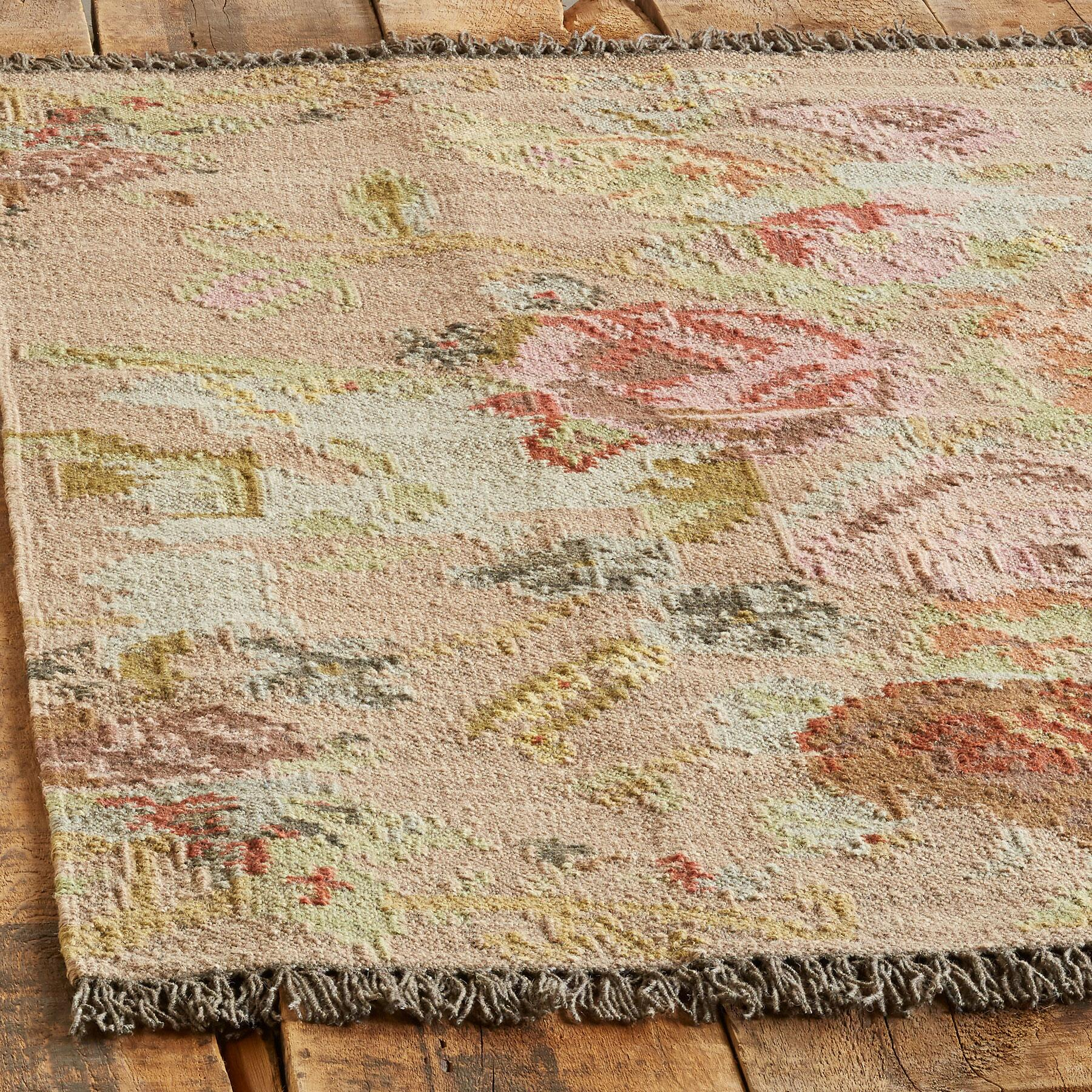 ANTIQUE ROSES KILIM RUG: View 2