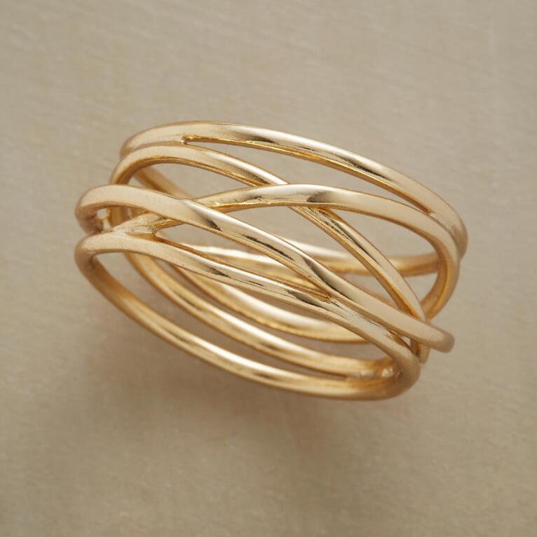 FINE LINES RING