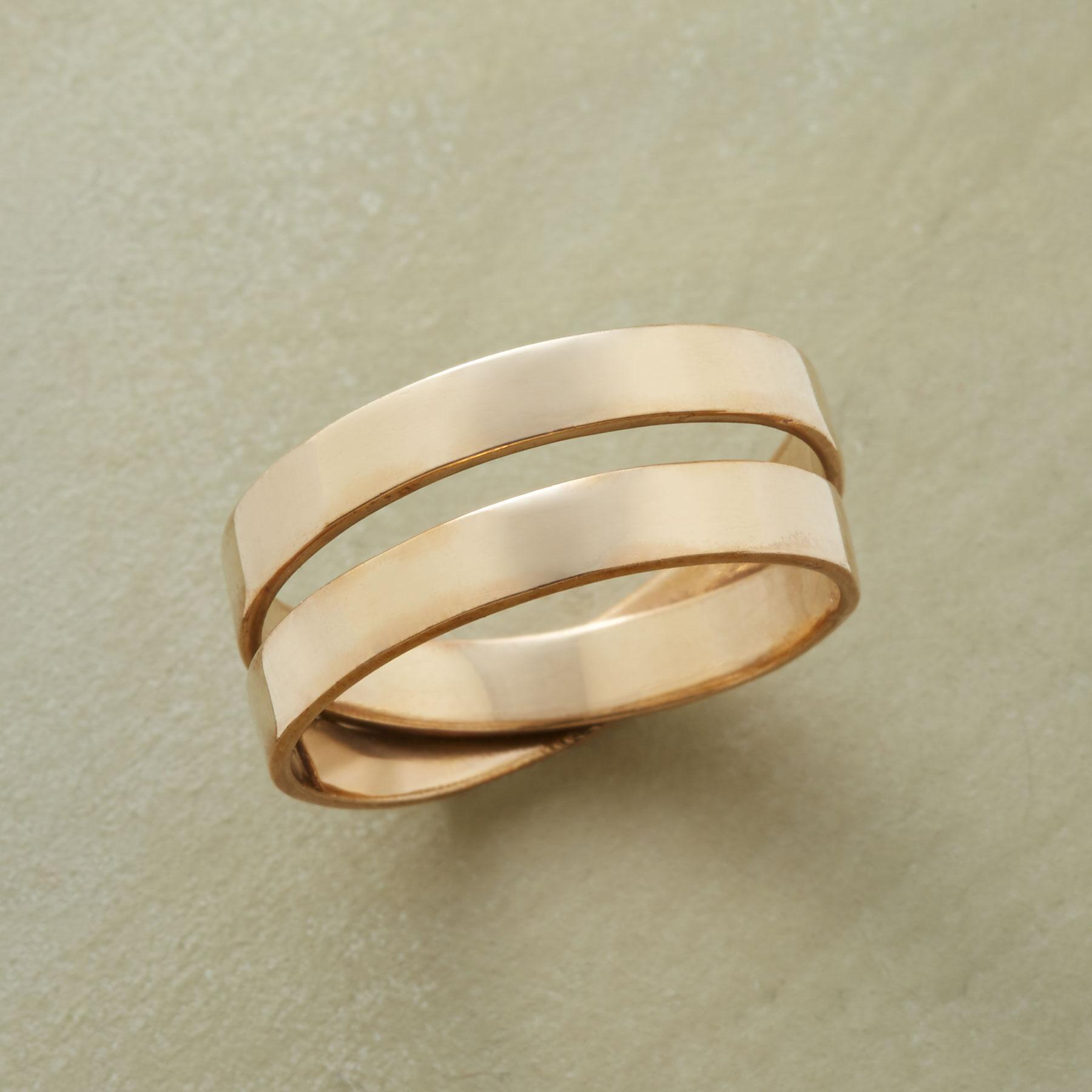 TWO TOGETHER RING: View 1