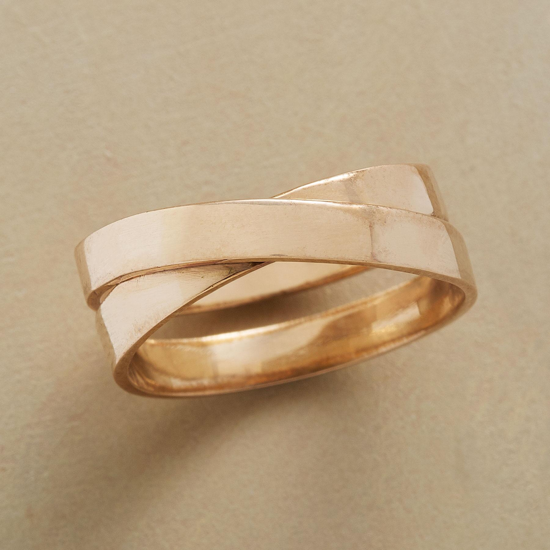 TWO TOGETHER RING: View 2