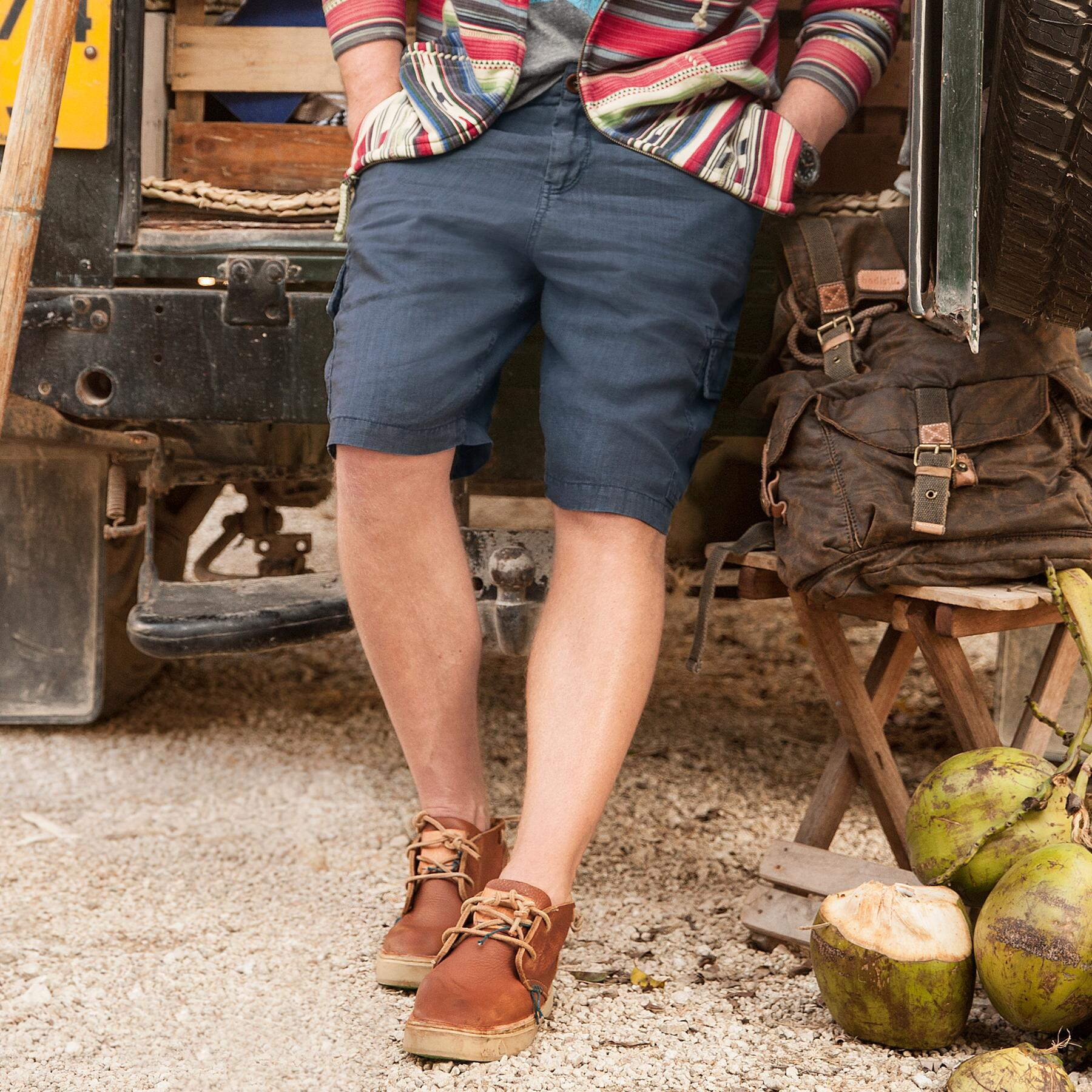 FREE AGENT CARGO SHORTS: View 1