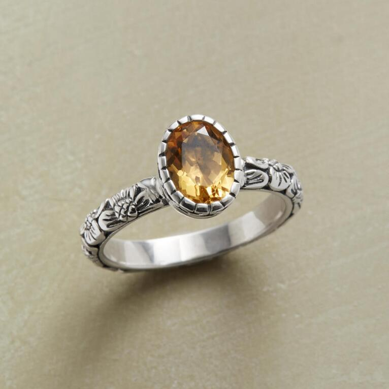 GOLDEN BLOSSOM RING
