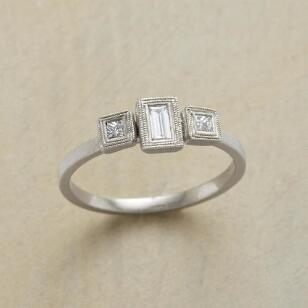 DIAMOND DECO RING