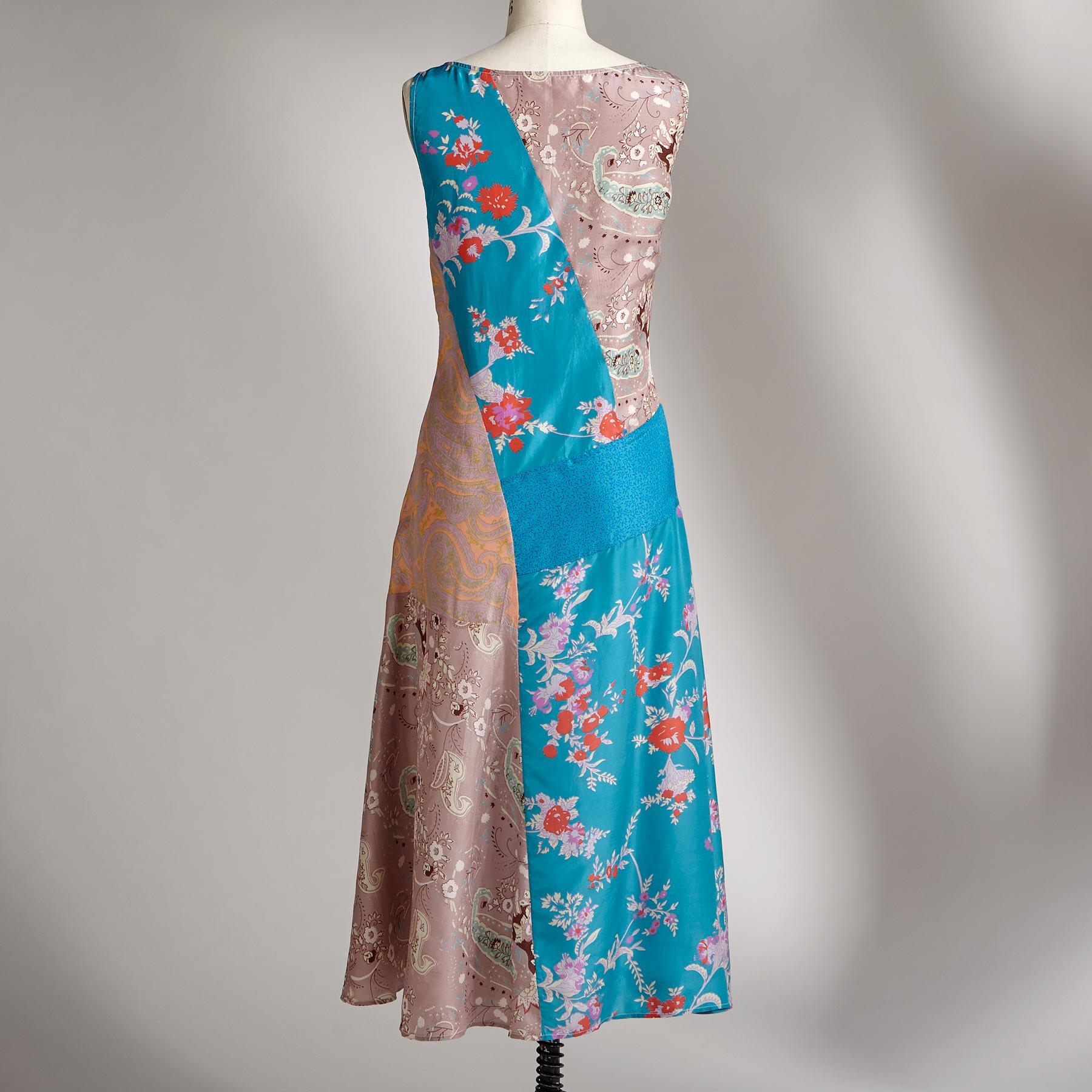 SPANISH ROSE DRESS: View 2