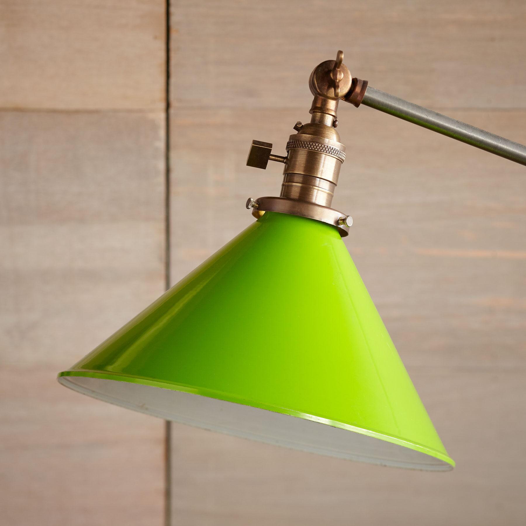 BAYTOWN FLOOR LAMP: View 2