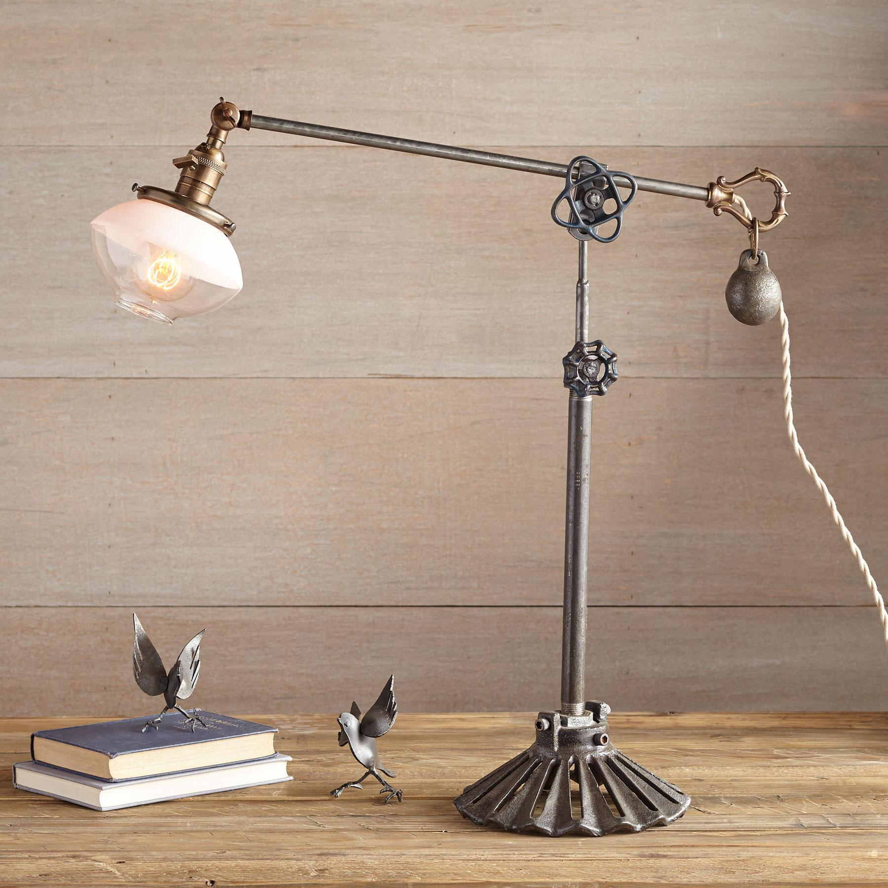 LIVORNIA TABLE LAMP: View 1