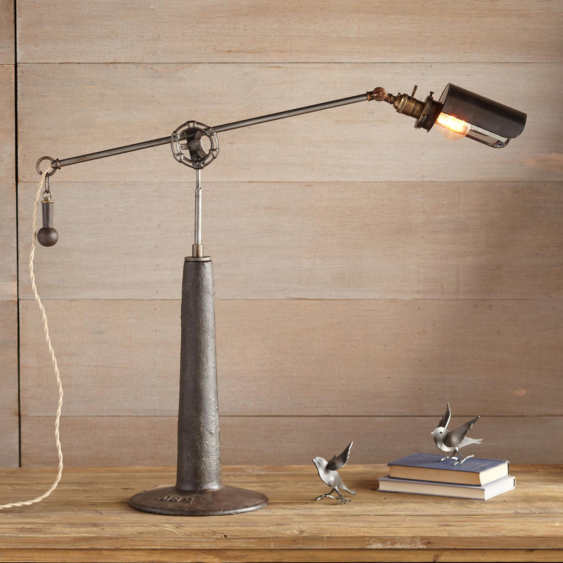 DEARBORN TABLE LAMP: View 1