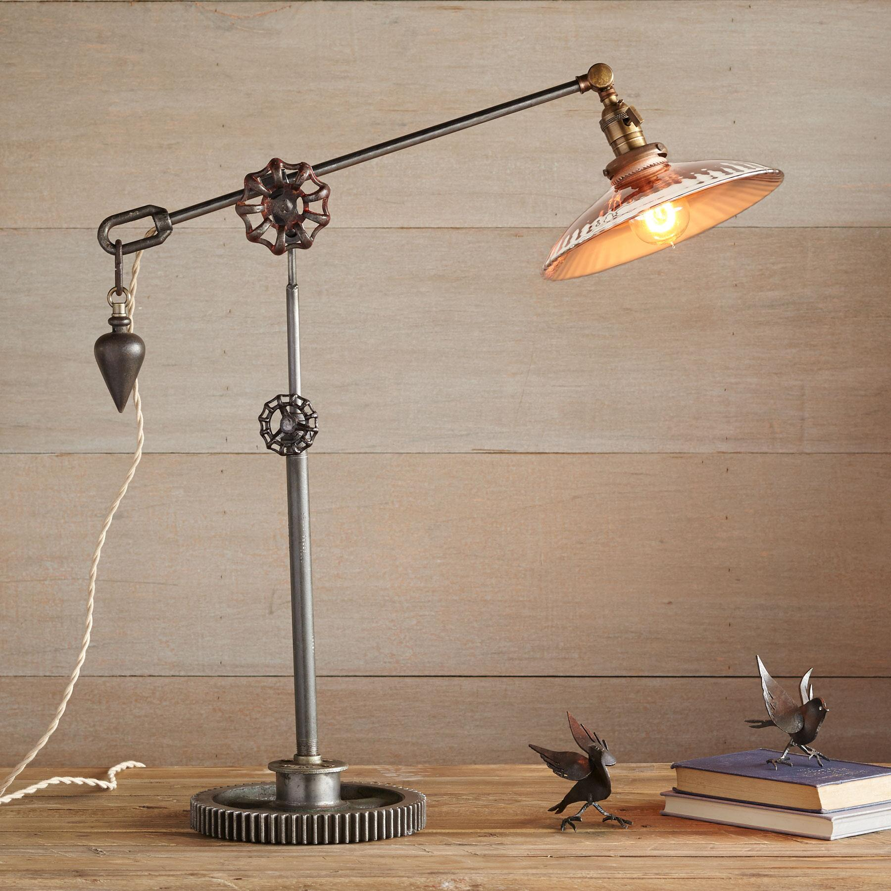 JEFFERSON COUNTY TABLE LAMP: View 1