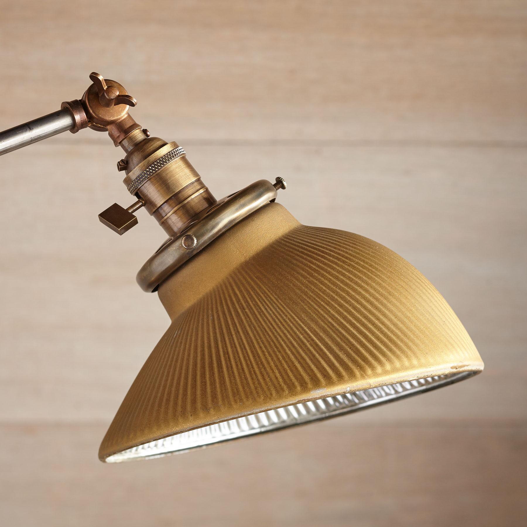 COLUMBUS TABLE LAMP: View 2