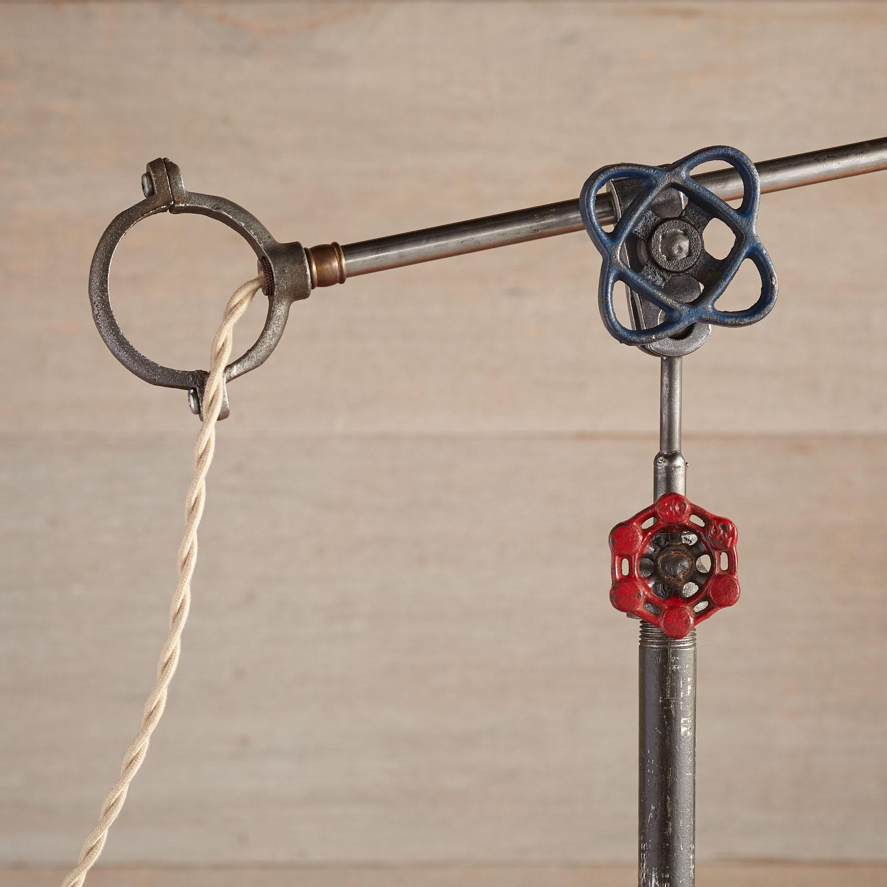 COLUMBUS TABLE LAMP: View 3