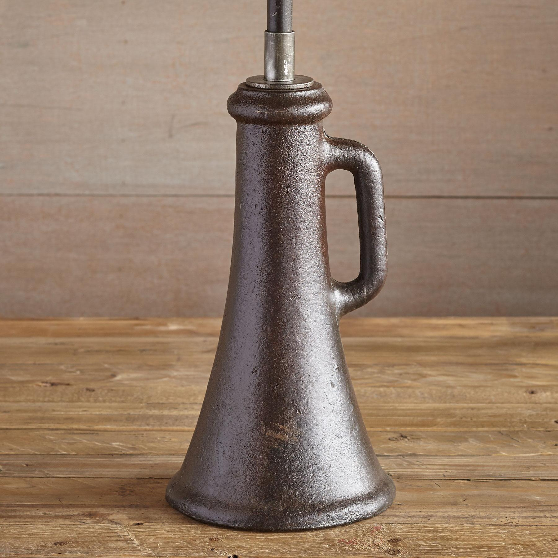 COLUMBUS TABLE LAMP: View 4