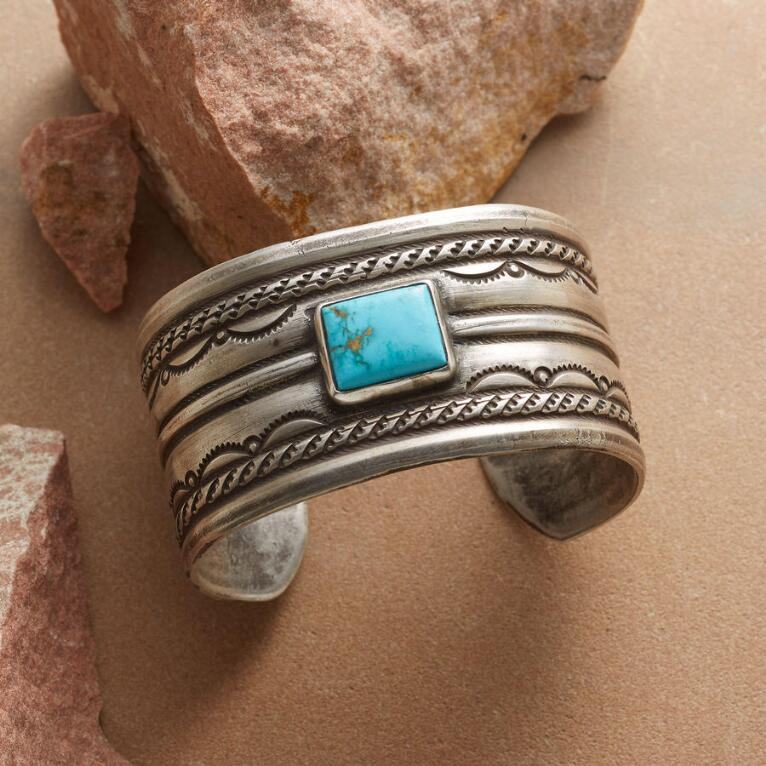 NEVADA BLUE TURQUOISE CUFF