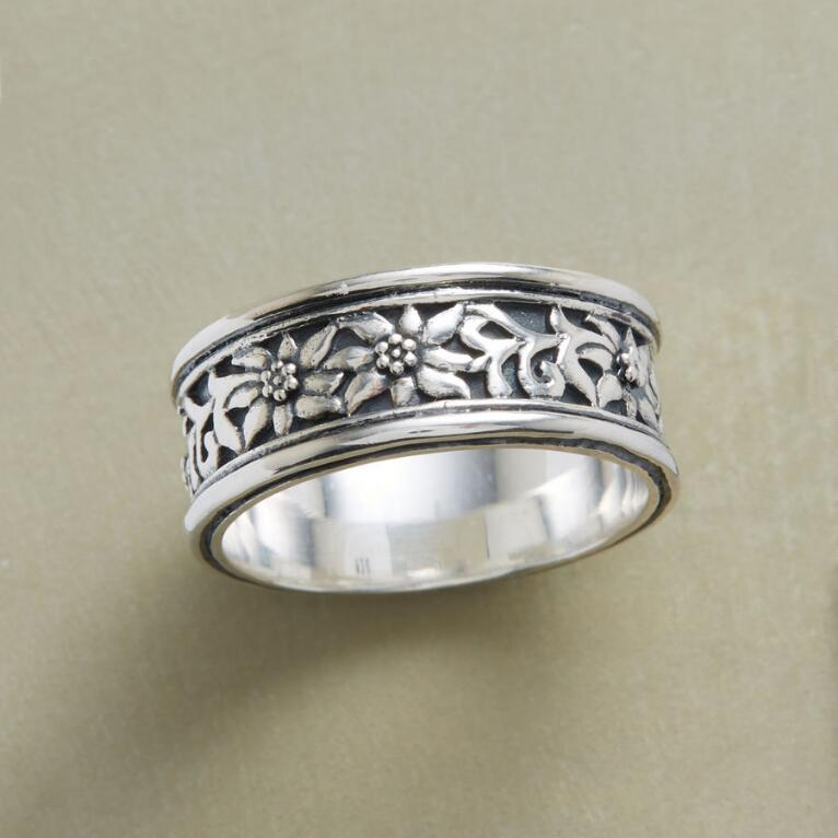 MEADOWLAND RING