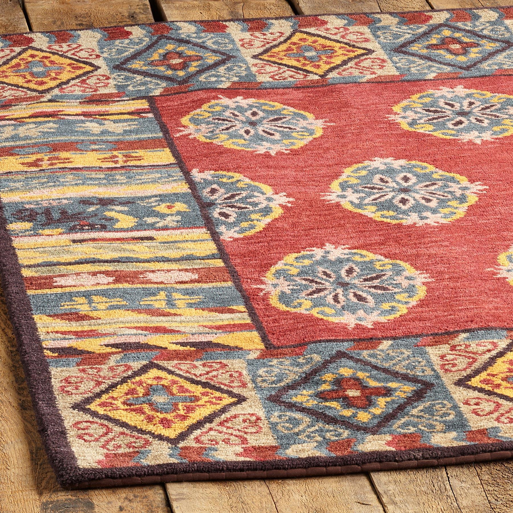 LAKE FOREST KNOTTED RUG - SM: View 2