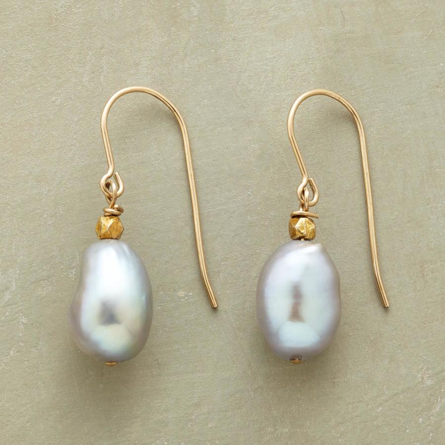 DUSKY PEARL EARRINGS