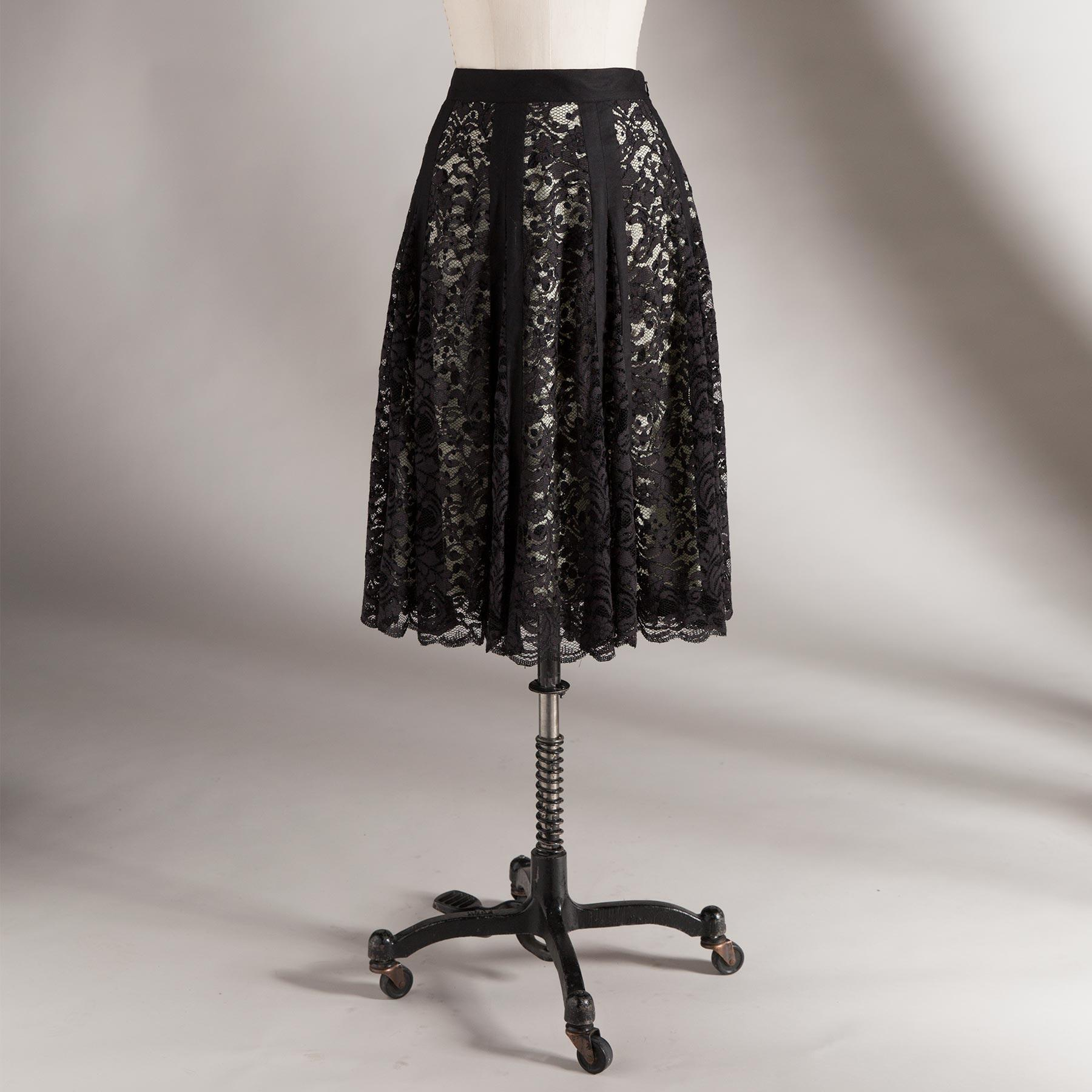 NICOLETTE LACE SKIRT: View 2