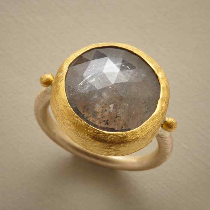 TWINKLING TRIANGLES RING
