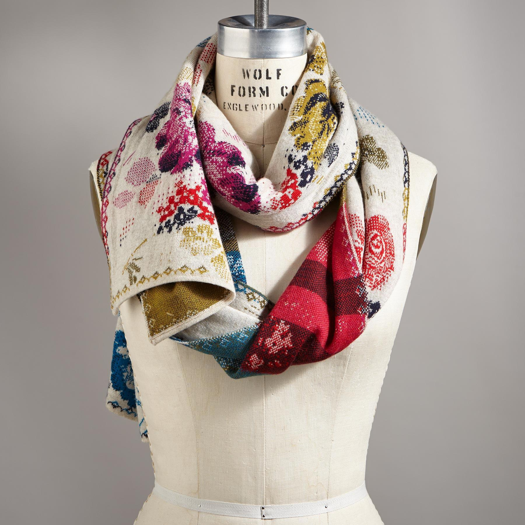 EVER BLOOM SCARF: View 1