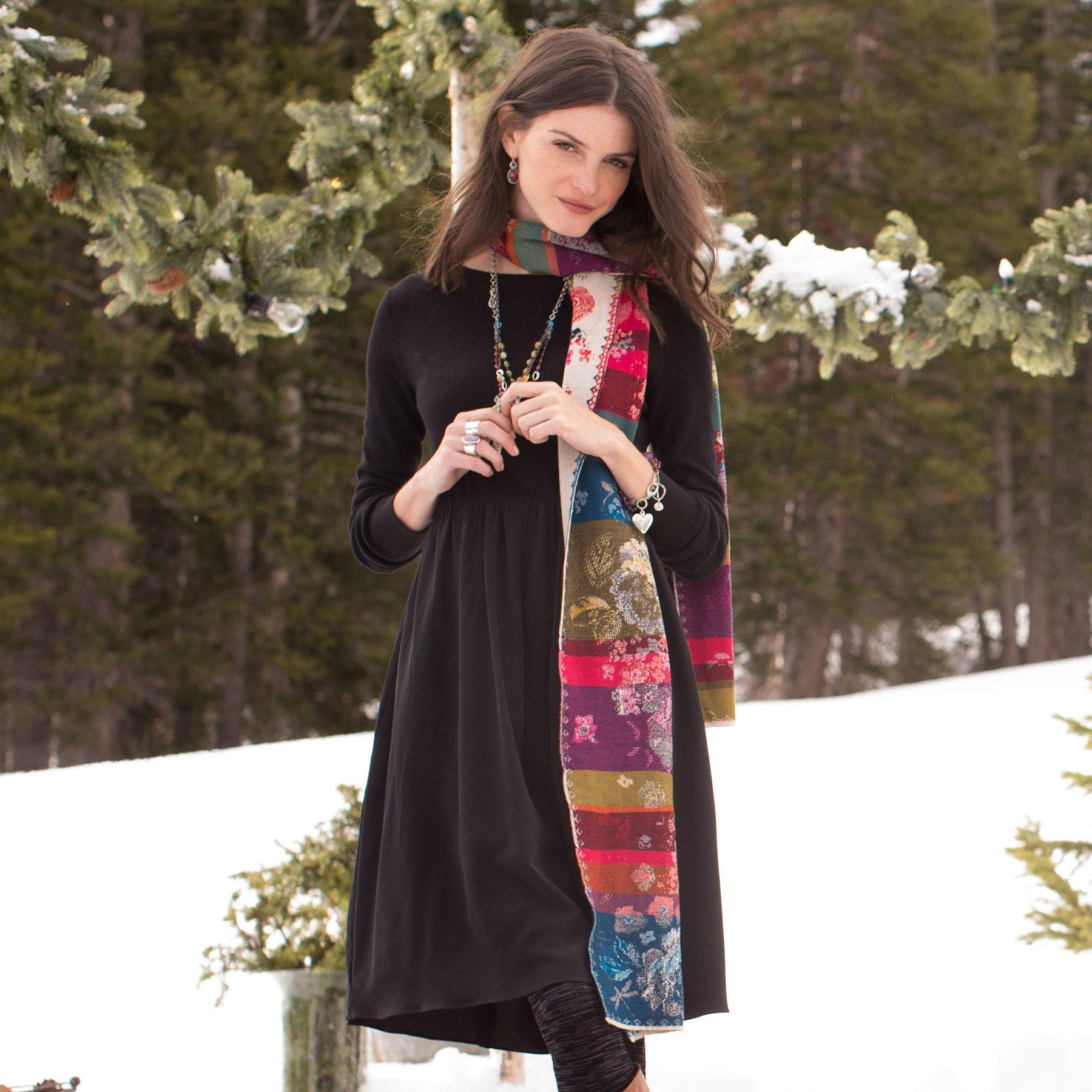 EVER BLOOM SCARF: View 3