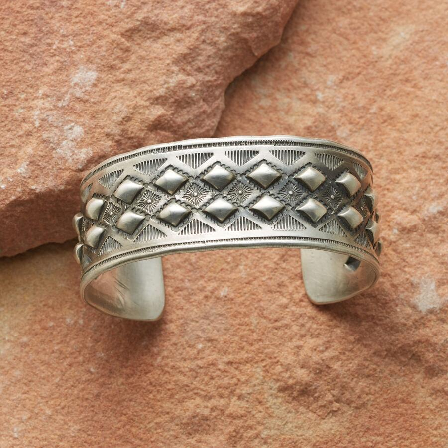 DOUBLE DIAMOND CUFF