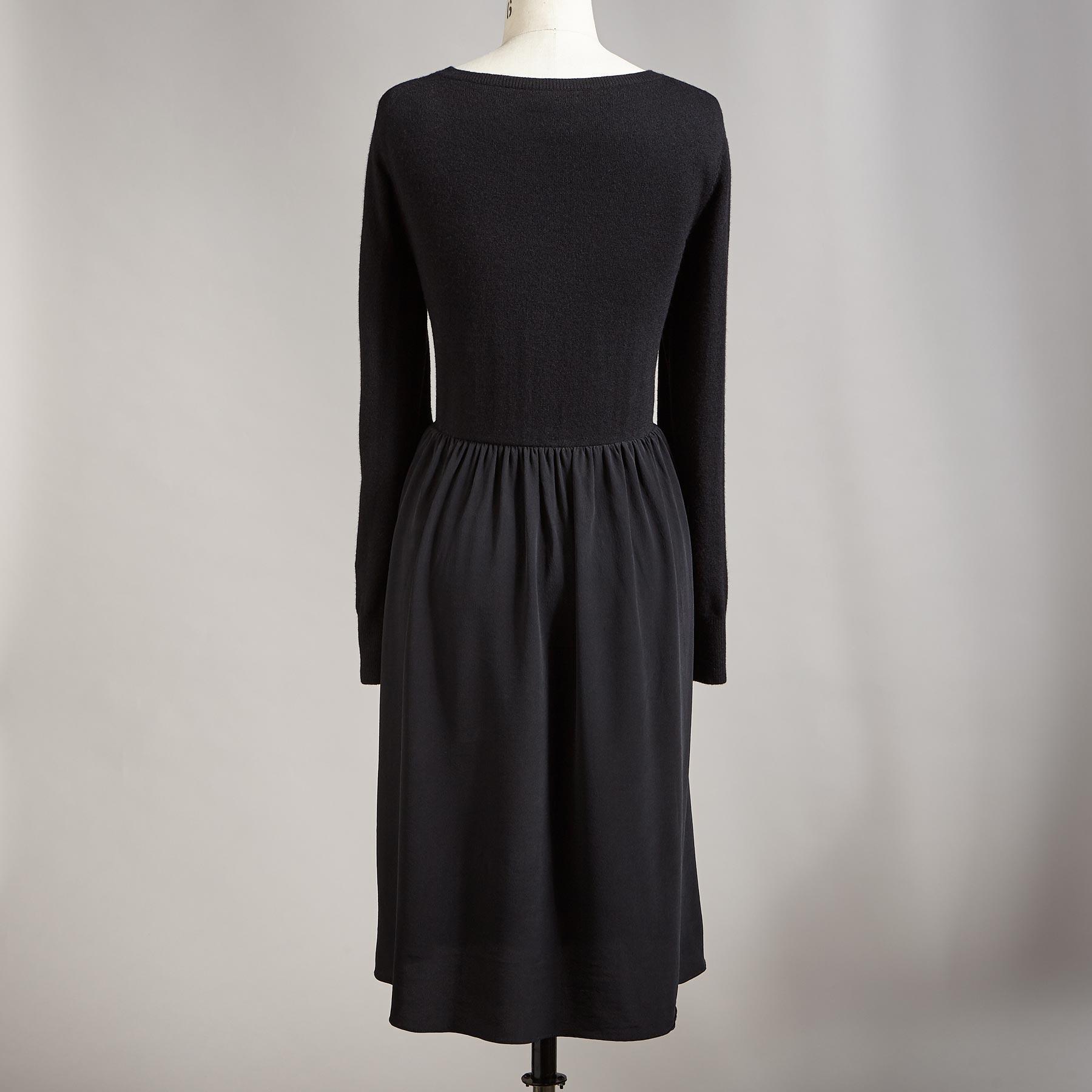 SIMPLE BEAUTY DRESS: View 2