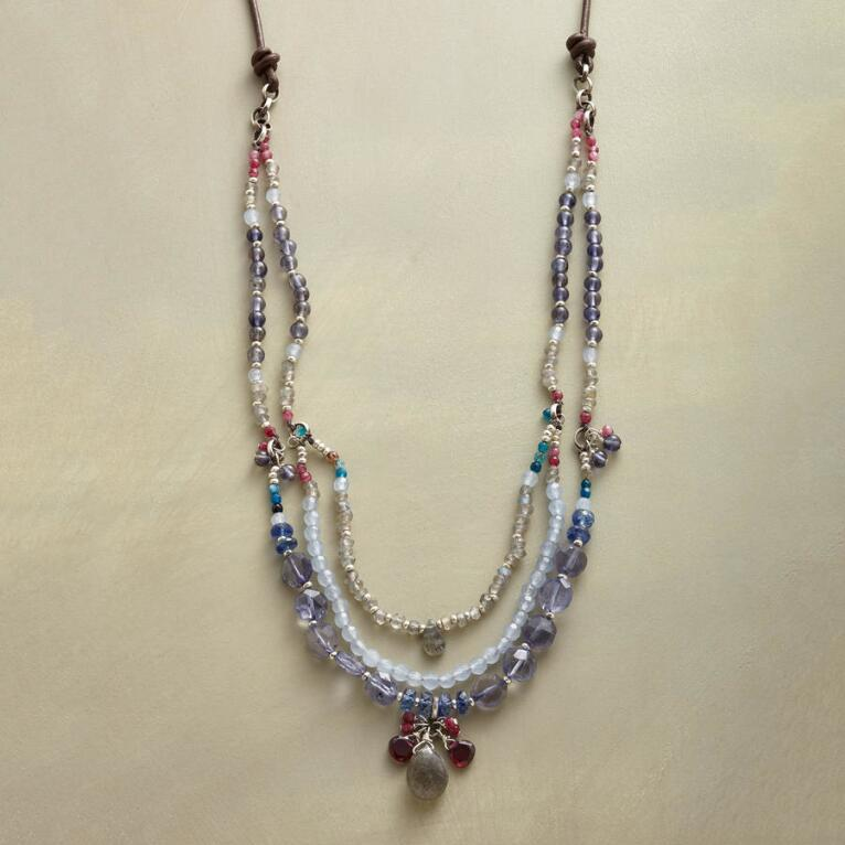 MOUNTAIN NIGHTS NECKLACE