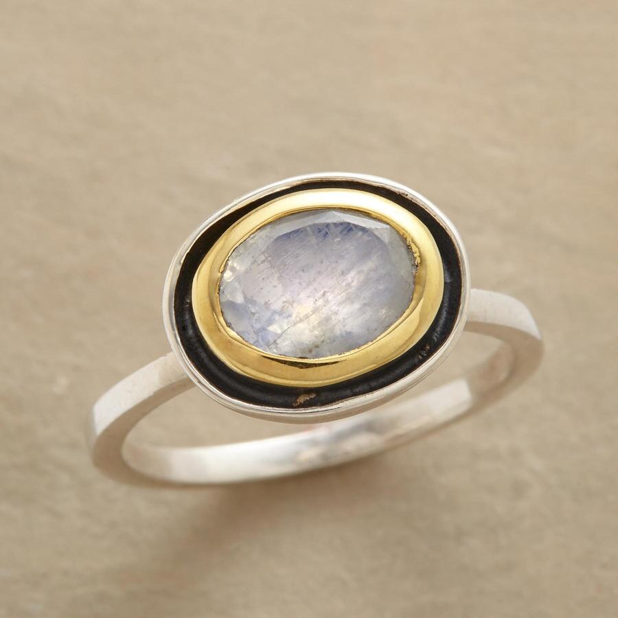 MOONSHADOW RING