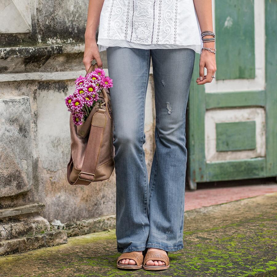 FADE & FLARE JEANS