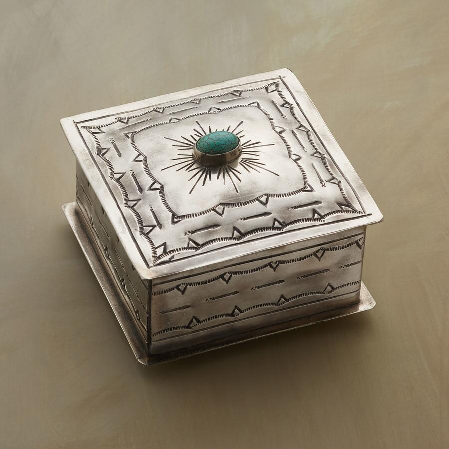 TURQUOISE GEM CROWNED JEWELRY BOX
