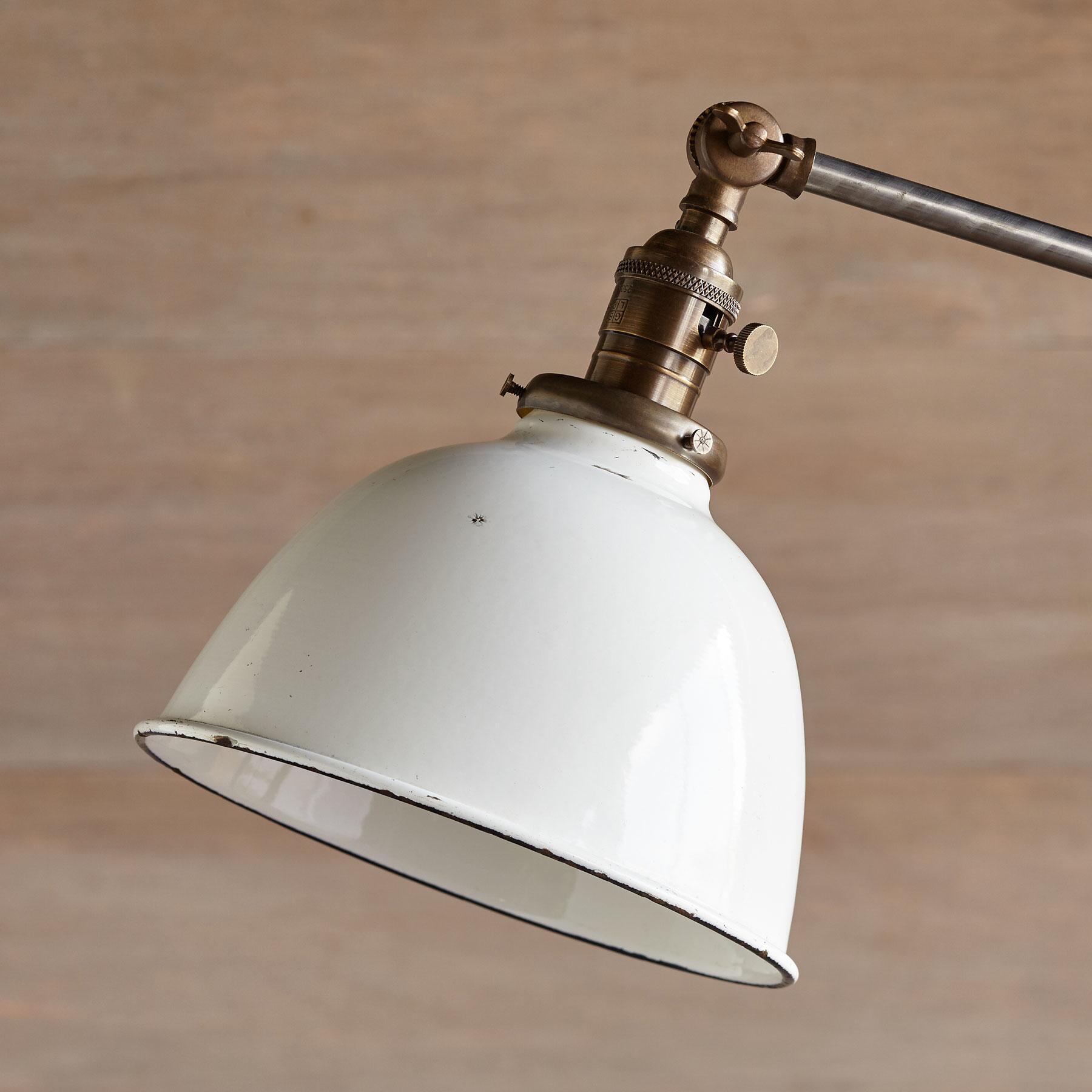 JUNEAU TABLE LAMP: View 2