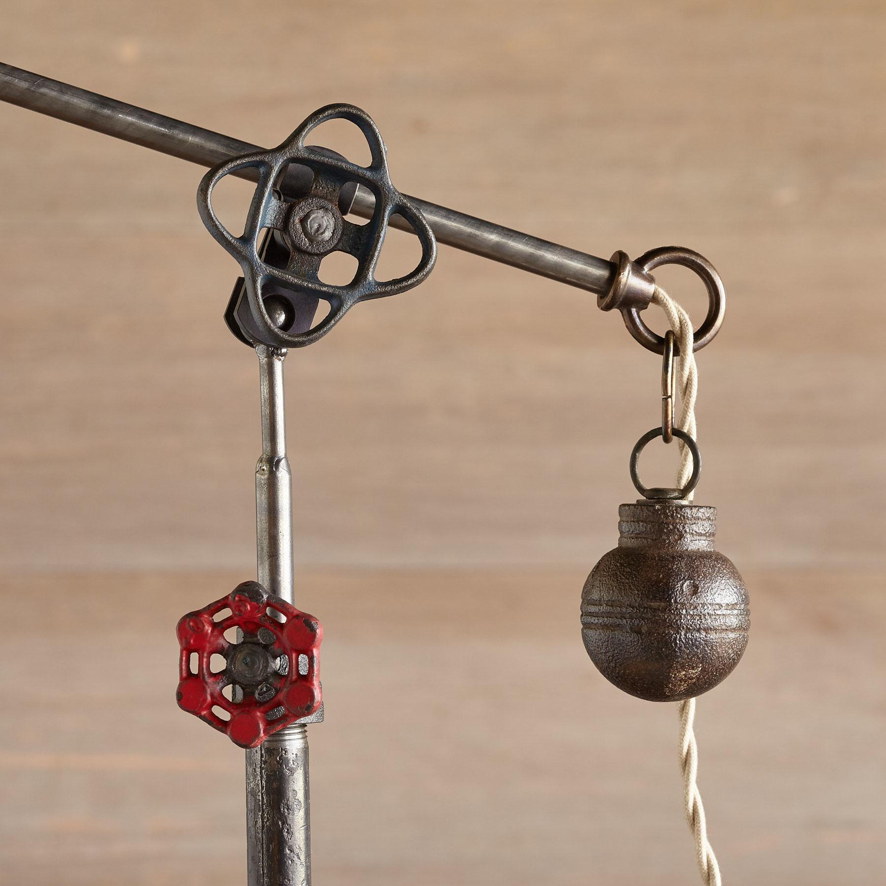 JUNEAU TABLE LAMP: View 3