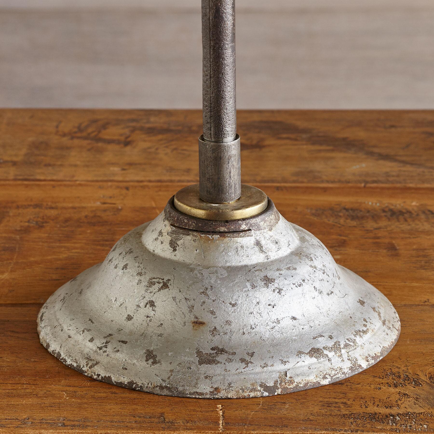 JUNEAU TABLE LAMP: View 4