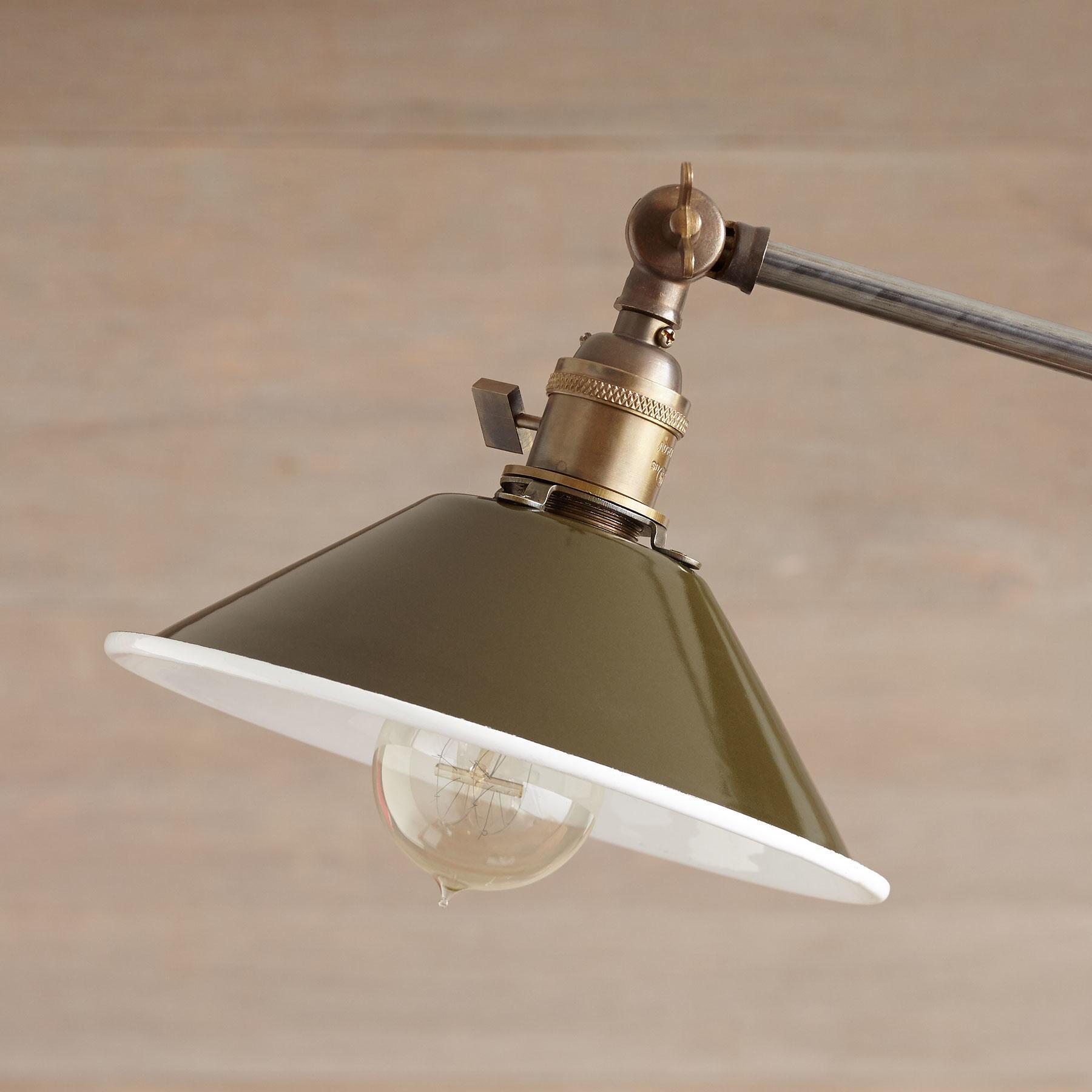 SACRAMENTO TABLE LAMP: View 2