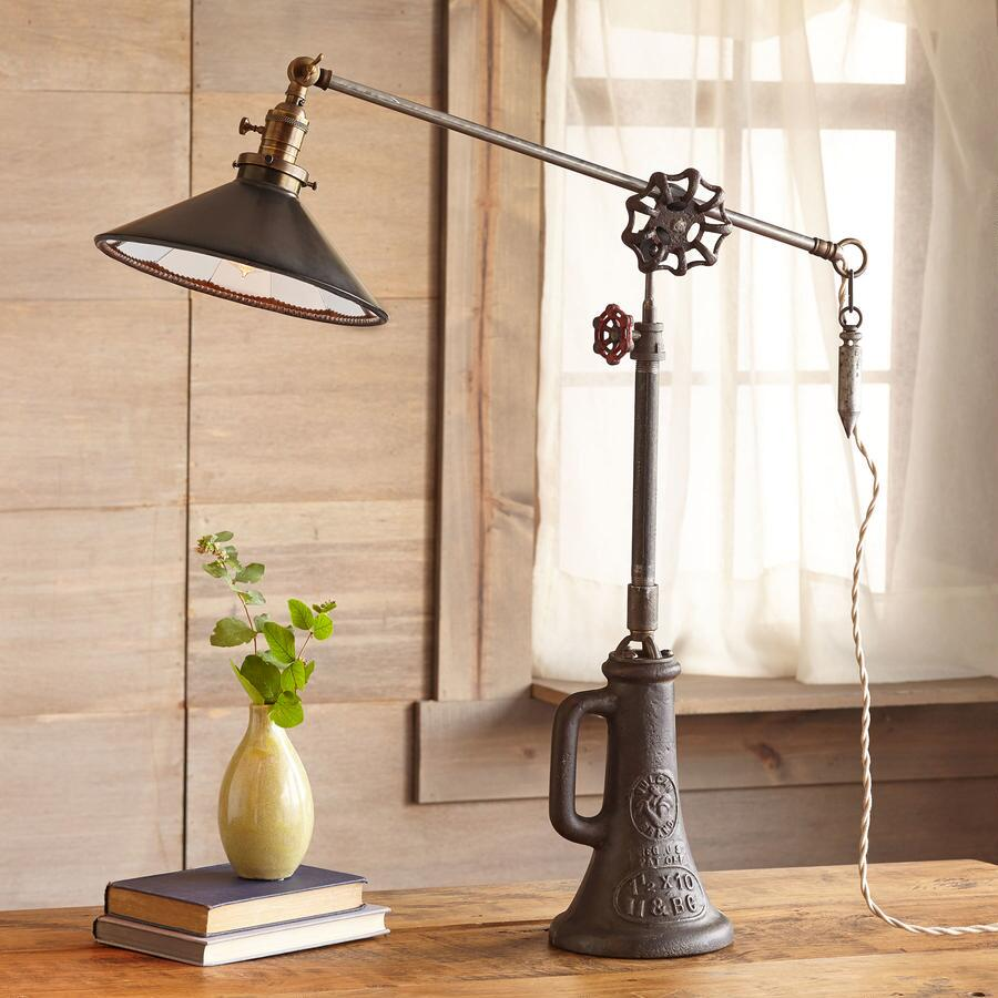 HARTFORD TABLE LAMP